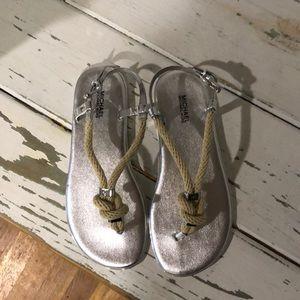 MK sandal